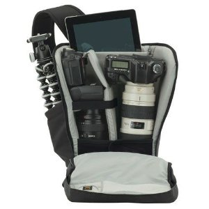 MOCHILA LOWEPRO URBAN PHOTO SLING 250 P/ DSLR+ACESS E TABLET