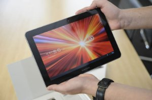Tablet Galaxy Tab 10.1 SHW-M380S 3g 16gb Android 4.0 - + Brinde Capinha Tipo Carteira *9038*
