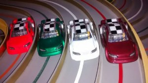 "4 Carros para ""Super Pista Digital"" (SUPERTRACK) - Kit com 4 Unidades"