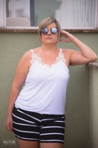 Regata com Renda Plus Size