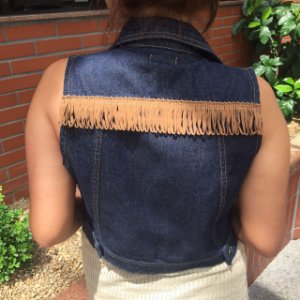 colete jeans curto | travessia franjas | coleteria