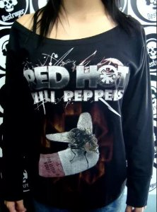 Blusinha gola canoa manga longa - Red Hot Chili Peppers
