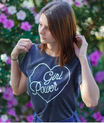 Camiseta Feminina Girl Power Vintage Cinza