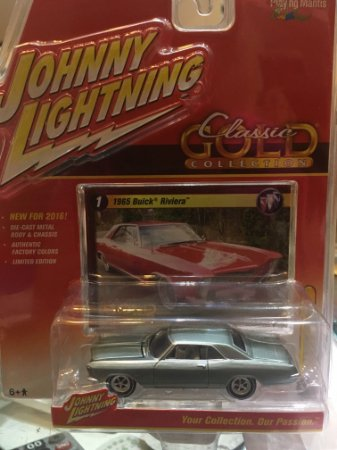 Johnny Lightning Classic Gold Have - 1965 Buick Riviera