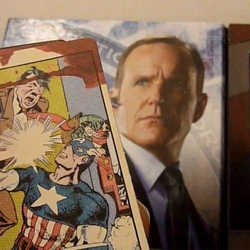 The Avengers:Agent Coulson Captain America Trading Card